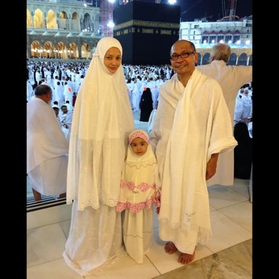 Imej Terbaru Eja Bertudung Hijab Selepas Umrah